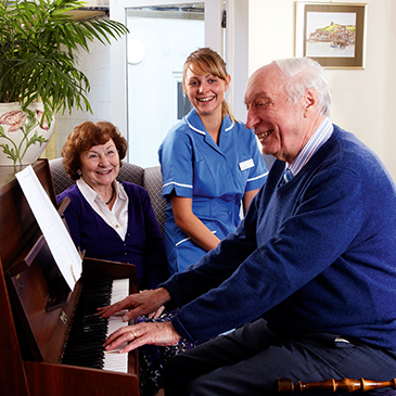 Singing With Residents - Westward Care